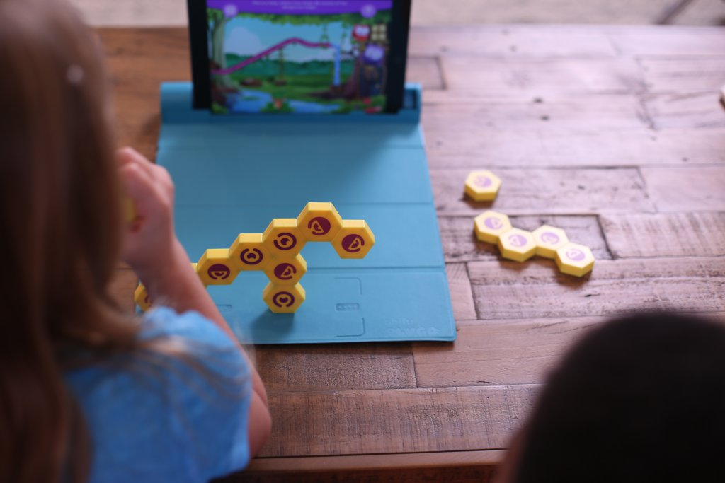 game-based-learning-tech-toy-kids